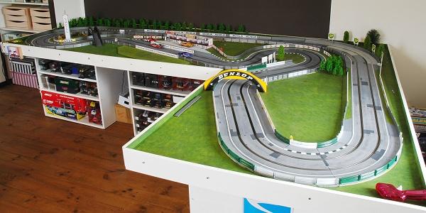 slot racing et voitures de circuits routiers scalextric carrera ninco scx. Black Bedroom Furniture Sets. Home Design Ideas