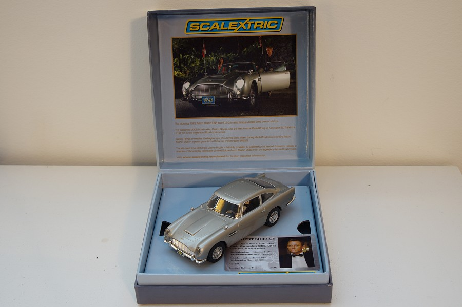 Scalextric C3162a - Aston Martin James Bond